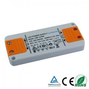 TRANSFORMADOR 6W LEDS 12V DC 106x46x11,5 IP20.CLASS 2. CABLE RED 1.5mt. CONEXION JST.